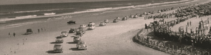 Dubbed The Vanderbilt Cup Crowds Gathered To Watch As Olds And Winston Battled It Out On Daytona S Hard Packed Sandy Beach